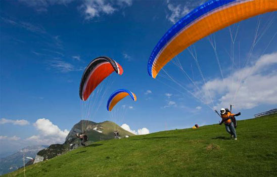 Paragliding at manali