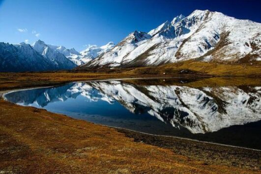 nature view of leh lake