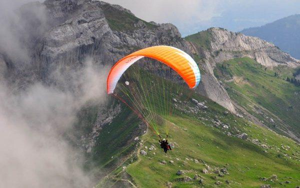 paragliding at kullu manali