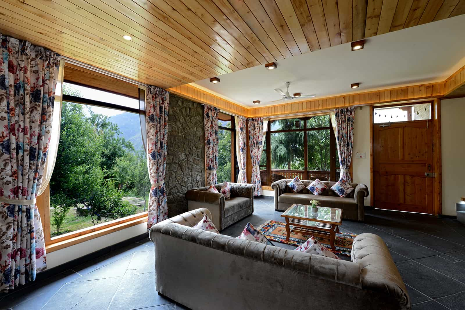 Tree tops cottage at manali